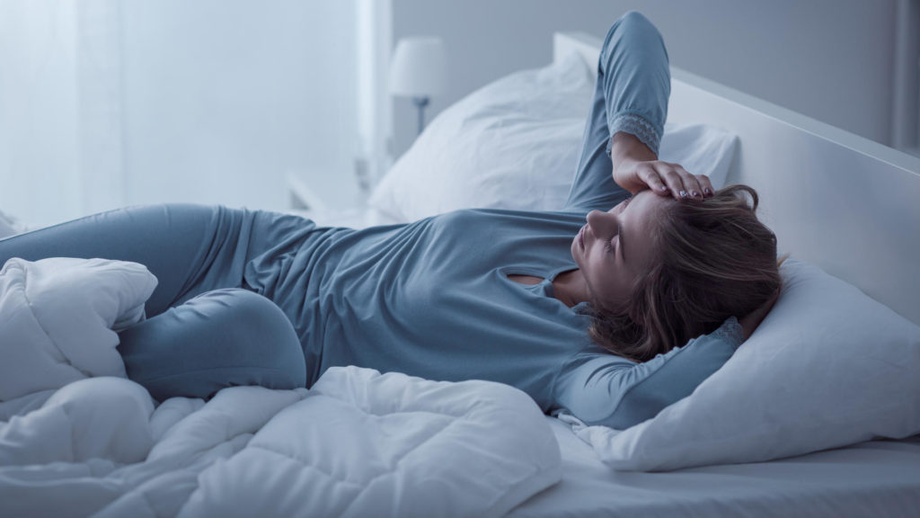 5 WAYS TO STAY UP LATE AND AVOID FEELING SLEEPY